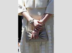 Gros plans sur les accessoires de la princesse Mathilde