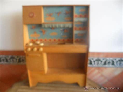 gran cocina en madera  nina anos  posible comprar