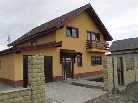 Proiecte de case mici la tara. Simple si cochete