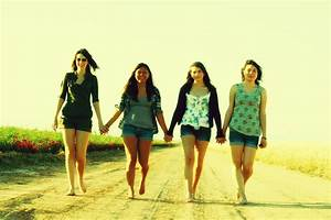 Senior Picture – The Road To Friendship | Domino's Designs