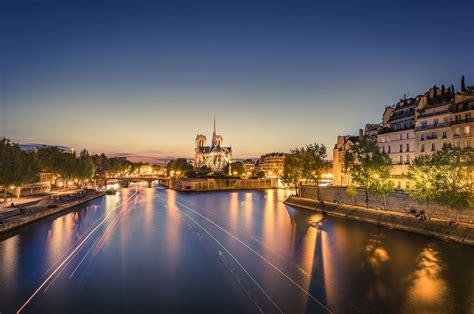 visiting  ile de la cite paris historic heart