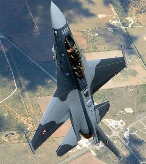 F16 In A Steep Climb