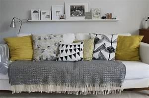 coussin pour canape gris ikeasiacom With nettoyage tapis avec plaid canapé orange