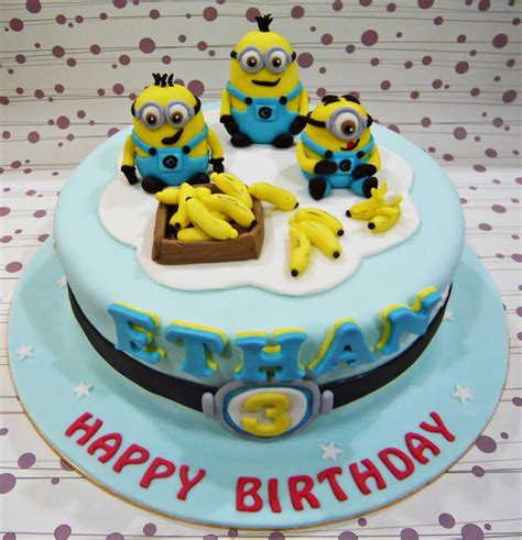 See more ideas about minion cake, minions, cupcake cakes. Jenn Cupcakes & Muffins: Minions Cake