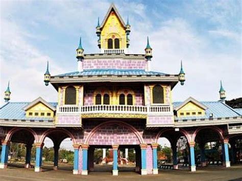 wisata romantis  surabaya tempat wisata indonesia