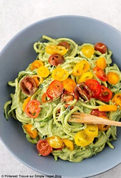 comment cuisiner courgette spaghetti courgette spaghetti comment agrémenter des spaghetti de