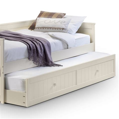 Bed With Pull Out Bed Underneath by Wooden Day Bed With Pull Out Bed 163 249 Home