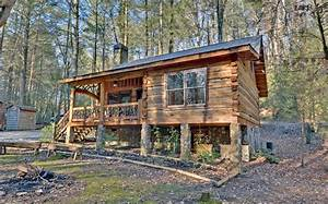 log-cabin-decorating-ideas-Exterior-Rustic-with-covered