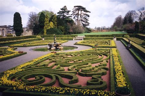 Gardens  Sculpture  The Classical Art Research Centre
