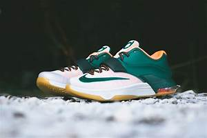 "Nike KD 7 ""Easy Money"" - Arriving at Retailers ..."
