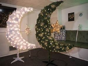 Muslim Moms Make Moon Trees for Ramadan in Detroit About