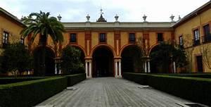 Patio Del Crucero Alcazar De Sevilla