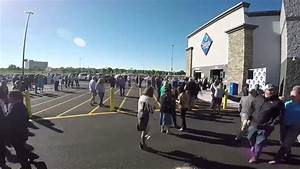 Time-Lapse of a Sam's Club Grand Opening Ceremony in ...