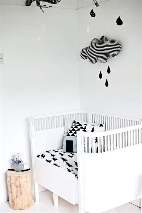 poster chambre bebe chambre bébé noir et blanc idée chambre bébé mixte