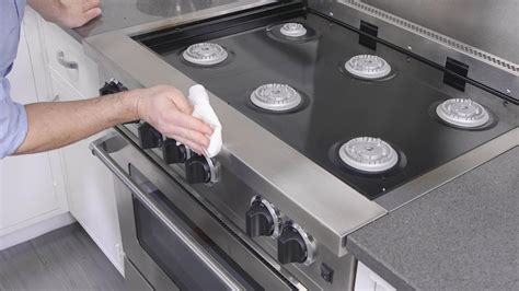 clean oven stove dirty glass cleaning stainless steel appliances stovetop iron cast vs protect tops ovens grimy cookware using pots