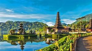 top 10 most beautiful honeymoon destinations in the world With best honeymoon destinations in the world