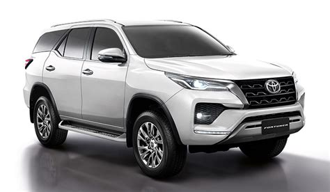 The toyota genuine snorkel helps provide cleaner air to your fortuner's engine in dusty environments while maintaining optimal air flow and engine temperature. Toyota Fortuner 2020 ใหม่ เปิดตัว 2 เวอร์ชั่น ราคา 1.319-1 ...