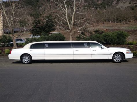 White Limo by White Limo Amax Limo