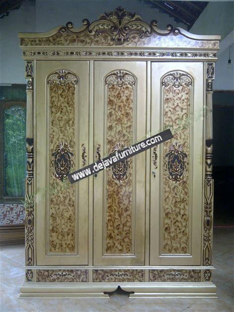 lemari pakaian rahwana pintu 3 ukir jati jepara lemari pakaian rahwana finishing emas jual mebel jepara