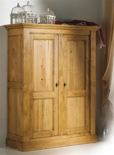 chambre en bois massif armoire de chambre bois massif