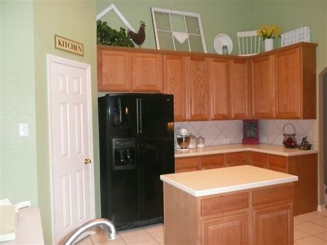 wall color for oak cabinets best kitchen paint colors with oak cabinets my kitchen