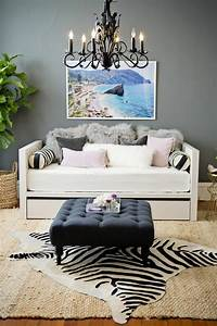 le tapis zebre en 50 photos avec beaucoup d39idees With tapis yoga avec canape a ikea