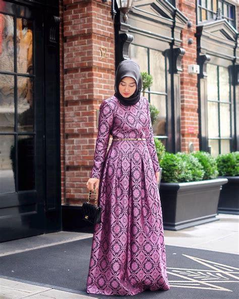 Desain baju polos kombinasi batik modern. 45 Model Baju Brokat Kombinasi Batik Modern 2019 - Model ...