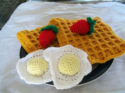 crochet cuisine 14 best images about play food on free pattern birthday cupcakes and doll food