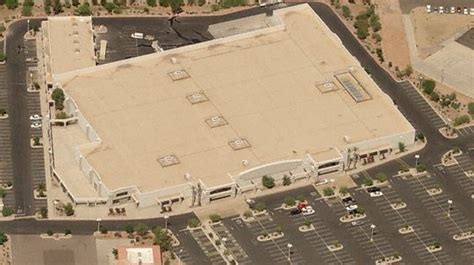 dead  dying retail closed super kmart stores  arizona