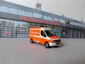 Siku Autos 2018 : siku 0805 ambulance custom youtube ~ Kayakingforconservation.com Haus und Dekorationen