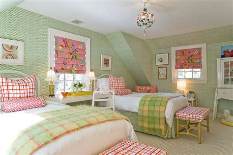 chic  serene green bedroom ideas