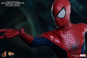 Hot Toys' The Amazing Spider-Man 2 – Plastic and Plush