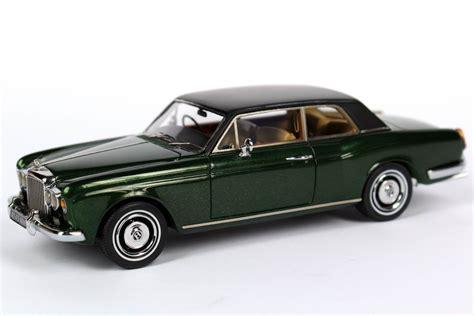 bentley racing green bentley corniche coupé british racing green met neo scale