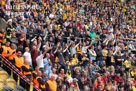 124,092 likes · 4,754 talking about this · 2,172 were here. Foto: SG Dynamo Dresden vs. Hansa Rostock - Bilder von SG ...