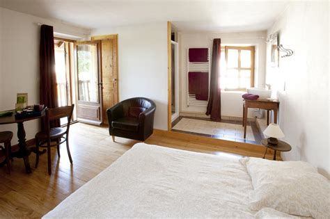 chambre d hotes en savoie location vacances chambre d 39 hôtes ferme des pratz à