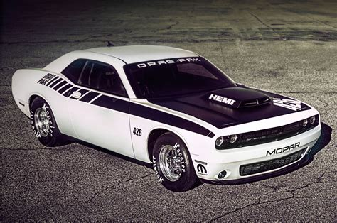 2015 Mopar Dodge Challenger Drag Pak Offers First