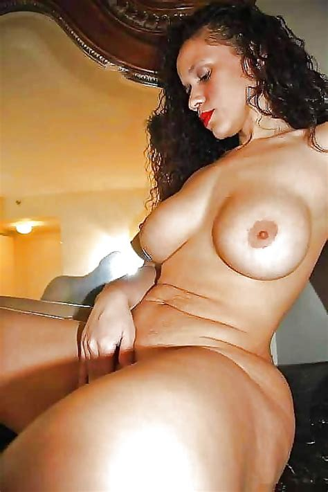 Well Built And Mature 76 Pics Xhamster