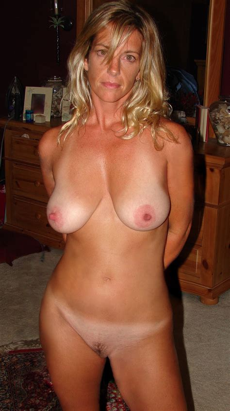 65 In Gallery 140204 Cougars And Milfs Picture 1