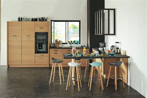 cuisine grise et bordeaux cuisine noir ou blanche cuisine en bois quel modele