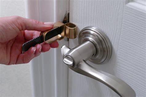 How To Unlock A Bedroom Door From The Portable Door Lock