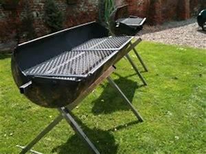 Fabriquer Un Barbecue Avec Un Bidon : grille barbecue demi tonneau ~ Dallasstarsshop.com Idées de Décoration