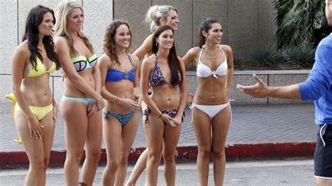 Street Magician Arrested After Making Girl's Bikini