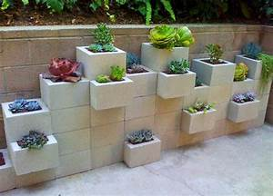 15 facons de decorer votre terrasse pour moins de 50 With mobilier de piscine design 5 deco mur exterieur homeandgarden