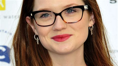 Bonnie Images Bonnie Wright Wallpapers Images Photos Pictures Backgrounds