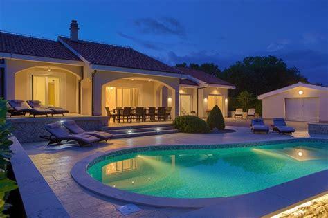 Luxusvilla Mit Pool by Luxus Villa Mit Privatem Pool In Vrh Tomislav Cimerman