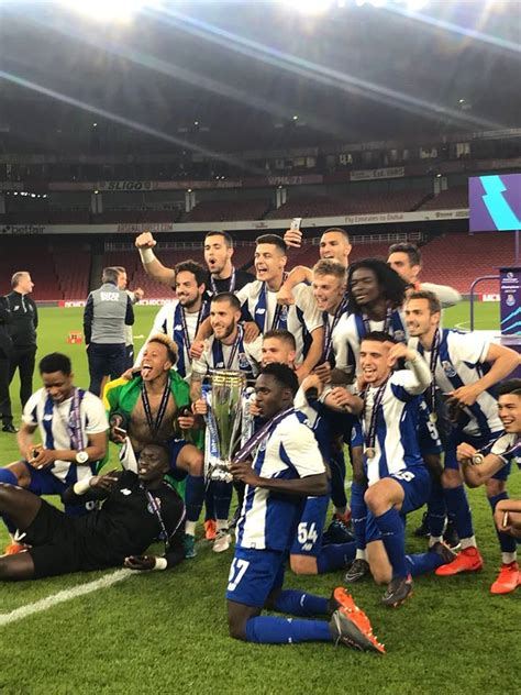 Benfica b won 5 direct matches.fc porto b won 5 matches.6 matches ended in a draw.on average in direct matches both teams scored a 3.31 goals per match. Benfica B pode descer de divisão por causa do FC Porto B