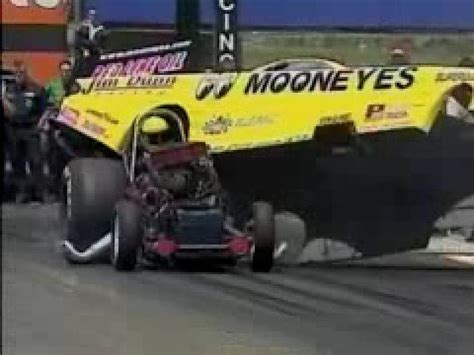 Al Hoffman Blows Up 2001 Topeka, KS NHRA - YouTube