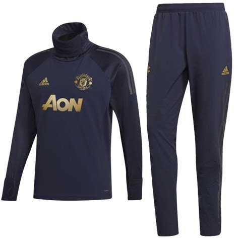 Cristiano ronaldo, paul scholes and david beckham all see how manchester united came to haunt paris in the french capital again, with. Buy Manchester United training tech tracksuit UCL 2018/19