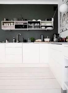 Cuisine Noir Et Blanc : cuisine moderne d co noir et blanc avec parquet blanc ~ Melissatoandfro.com Idées de Décoration