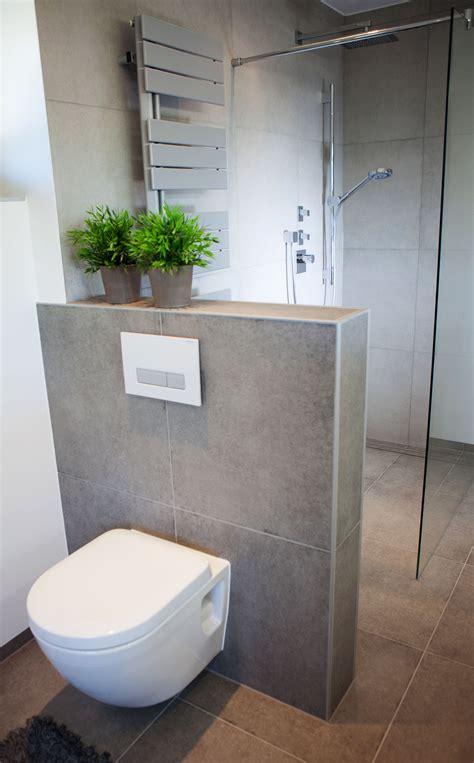 Kleines Badezimmer Mit Dachschräge Fliesen by Wc Hinter Vormauerung Badezimmer Bathroom Inspo